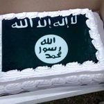 Walmart apologizes for ISIS cake after denying request for Confederate flag cake http://t.co/cwbygiCql6 http://t.co/rX7wRdu6fT