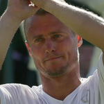 Valiant @lleytonhewitt crashes out of final @Wimbledon: http://t.co/C3lSCPXlDY #9News http://t.co/qgsnoNqiTy