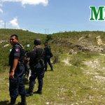 Inician búsqueda en el cerro cercano a Punta Vizcaya, para capturar a homicida. Foto @fotosemax | http://t.co/2VidDsPqd8