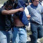 Detienen a supuesto involucrado por homicidio en El Rosario http://t.co/GPC9hL7dvt @joselito_luna @JusticieroCland http://t.co/hnD1obCXNG