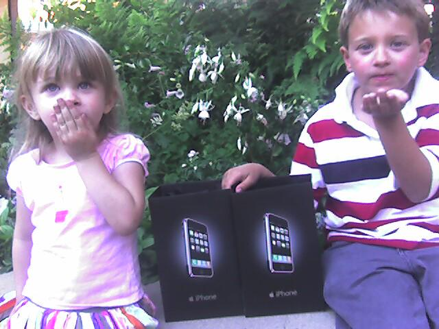 The last picture I took with my Palm Treo 650, eight years ago today. http://t.co/je38pspmcs