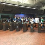 No more riders allowed, for now, at Farragut North. #wmata http://t.co/TeYU3YkrNa