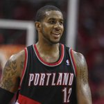 REPORT: LaMarcus Aldridge 'leaning toward' signing with Lakers in FA. http://t.co/yHAsoGmlqr http://t.co/xR2B4vAnq3
