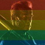 Hasta la vista: Schwarzenegger ironiza fã homofóbico. http://t.co/WQ2CHmY03J http://t.co/dD7YVwRgpa
