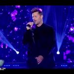"""Ricky Martin canta """"Disparo al corazon"""" en #ShowMatch2015 @cuervotinelli http://t.co/q3daSgNldE"""