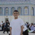 الأقصى جميل، ويزادد جماله عندما يلتقي مع براءة الأطفال. صور لأطفال داخل المسجد الاقصى.   #رمضان #القدس http://t.co/VgVdqPGrKm