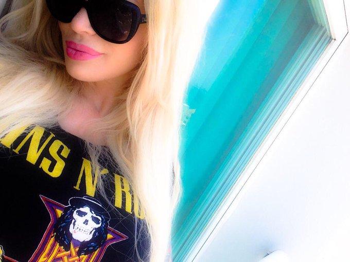 1 pic. DJ Sabrina Sabrok ⚡️????????? http://t.co/xC2LasvMPl