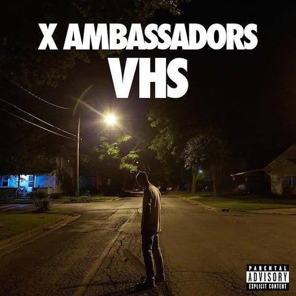 YAAASSS #VHS is available NOW on @applemusic - http://t.co/BkTukNQ22o http://t.co/GpbvM7hv2V