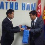 Монгол Консерватив намын даргаар Б.Энхбаяр сонгогджээ http://t.co/Ghonf5jsns http://t.co/6XtjEXCr6b