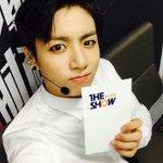 [PHOTOS] 150630   Selcas des BTS pour MTV The Show ! (2/2) http://t.co/eyy2AGlnmy