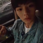 [TRANS] 150630 Sungjae #3 : Everyone, its raining..when it rains listen to BTOBs 괜찮아요 let your sadness fly awayㅎㅎ http://t.co/ISBwclPH5U