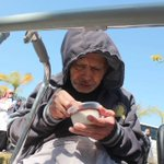 #كبار_السن ، يعيشون ذكرياتهم أكثر من حاضرهم ،فكونوا لهم الحاضر الملهم #مسنون في #غزة بلا أبناء ولا مأوى #غرد_بصورة http://t.co/9Z0xhtPXoU
