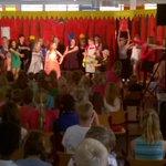 Groep 8 van GBS #dePrincenhof tijdens de try-out van de musical voor de rest van de school. Talent! http://t.co/AVV6fGMLFN