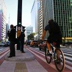 Ciclofaixa de lazer da av. Paulista será mantida aos domingos http://t.co/WlkK4MX0u4 http://t.co/ueoXZEKeFK