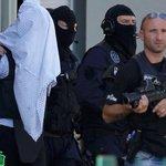 Autor de decapitação na França tinha vínculos com o Estado Islâmico http://t.co/oJYBGo3xs7 #G1 http://t.co/PLco5u2tJN