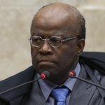Joaquim Barbosa: Dilma não pode investir politicamente contra as leis http://t.co/aCBirdxnzc http://t.co/jk6GnEuzCT