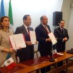 En la sede de la @UNESCO en París, firmamos el convenio de cooperación entre el organismo y el Estado de #Coahuila http://t.co/PzSyssvty0