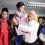 Trm ksh @1m4youth meriahkan raya adik Syafiq Hussein &Abdullah MohdTamliha. Tahun ini lbh meriah dgn baju Melayu baru http://t.co/DKW3wDxplW
