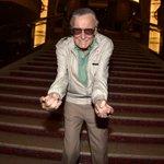 Roteirista de quadrinhos Stan Lee passa bem após hospitalização http://t.co/byMjgHtkpj http://t.co/fqDEs6r2Va