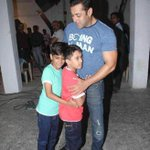 Bollywood @ 13 megapixels - Salman Khan with his little fans