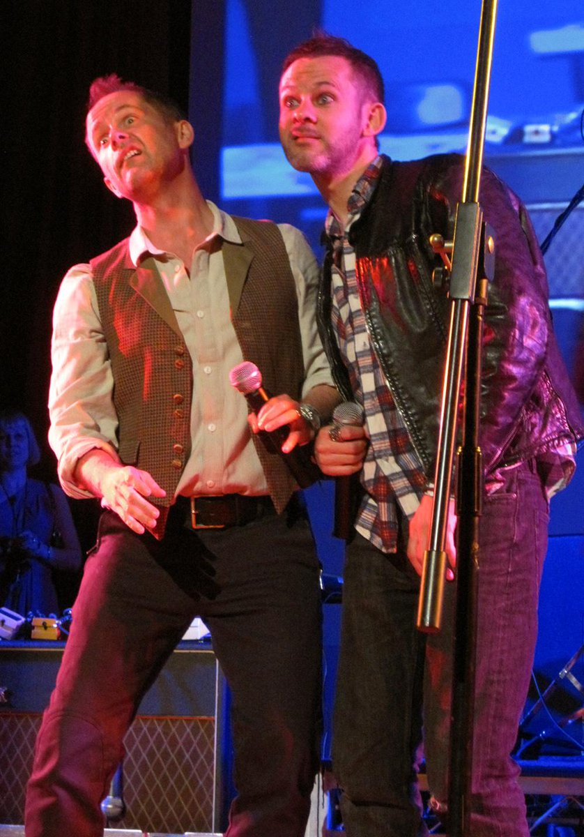 Found my unedited/unreleased 2013 @OfficialBeecake photos (FINALLY)! Here's a goofy shot from @theoneringnet party. http://t.co/T2e5KHeRxn