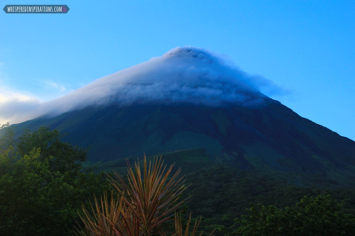 Thinking of going back to #CostaRica! This time w/ the whole family! Can you imagine this view? #bucketlist #travel http://t.co/bZa380IPKn