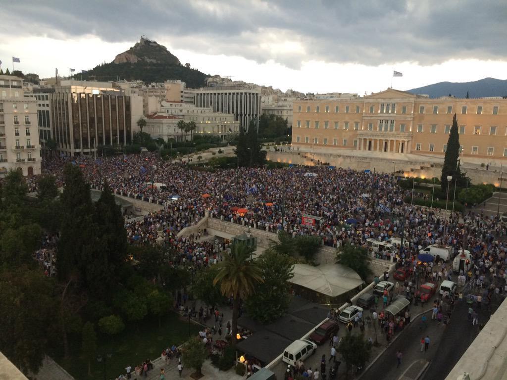 ギリシャ国民、さすがにこのままではまずいと気づき始めた模様