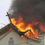 RACISMO EN EEUU. Arden en llamas 6 iglesias negras en una semana. Donald J. Trump es solo una muestra http://t.co/WYAbKCbFG5