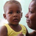 Cuba é o primeiro país do mundo a zerar a transmissão de HIV de mãe para filho. http://t.co/2qvV3BBWcE http://t.co/z73RMeH1cq
