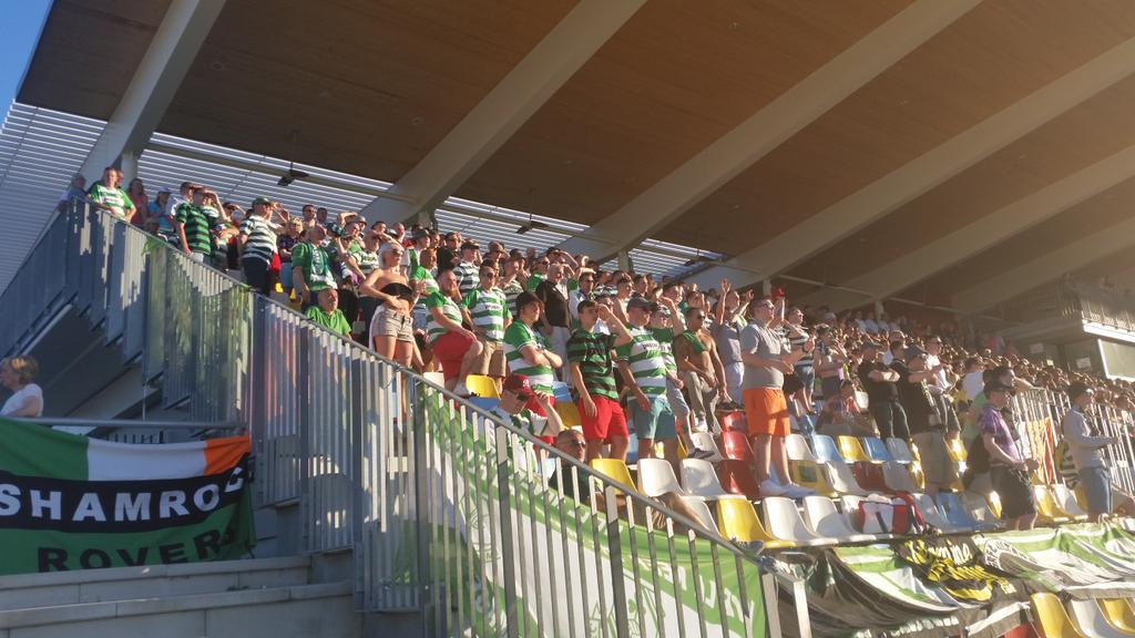 200+ Hoops fans here in Luxembourg on a Tuesday at 7pm #fairplay RT to show your appreciation http://t.co/7cuJH8fFvu
