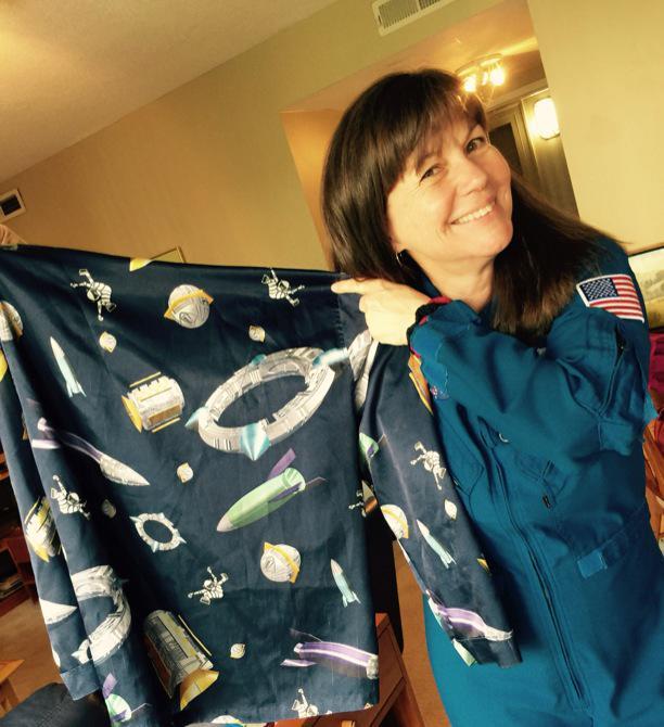 Time for @whitehouse @girlscouts campout w @NASA & @FLOTUS!!! Am I ready? Got @spacestation pajamas - yep!! #LetsMove http://t.co/pi6fKwb9aI