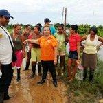 Alcaldesa suspendida Lumay Barreto es la que atiende a la población de Guasdualito, Apure, afectada por lluvias. http://t.co/0uRFIL3HbS