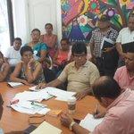Sostuve mesa de trabajo con colonos encabezados por el C. Efraín Rey Fuentes. http://t.co/EtdNAhvl6T