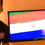 Julio dos Santos publica foto em rede social torcendo pelo Paraguai contra a Argentina http://t.co/lYdpBiJO7M http://t.co/ZUxO3OYxVq