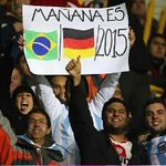 Argentina x Paraguai | O carinho da torcida argentina. http://t.co/yng5tdSsmc