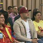 """.@NicolasMaduro anuncia nuevo programa televisivo """"El diván político de Jorge Rodríguez"""" #ContactoConMaduroNro33 http://t.co/vOAwz5rwzF"""