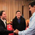 .@NicolasMaduro saludó a Gustavo Dudamel e integrantes de la Orquesta de Niños del Bronx #ContactoConMaduroNro33 http://t.co/Mq2gxIGyVd