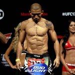 José Aldo está fora do UFC 189. http://t.co/Zjlznx3Mpz http://t.co/xYsYNL1qPV