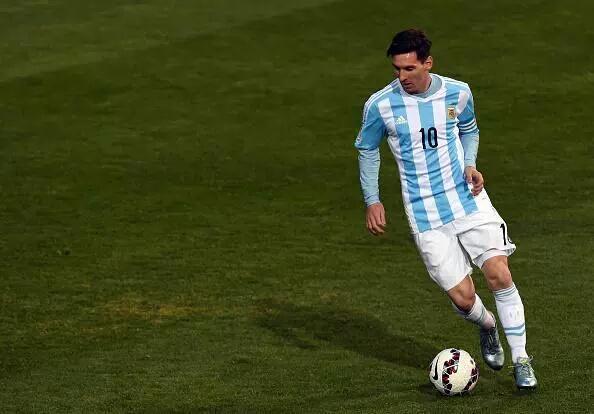 Messi no hizo NINGÚN gol, no. Pero participó en TODOS los goles. Que cada uno lea lo que quiera. Gracias Leo. http://t.co/gPqxcrwHQD