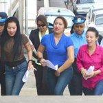 "#Venezuela ya tiene sus ""balseras""… tres mujeres entraron ilegalmente a Trinida… http://t.co/tWc3npU9TP http://t.co/lAOP1fmLS4"