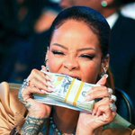 Rihanna looks so beautiful biting into my college tuition http://t.co/znCTP8EQd4
