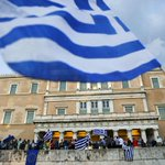 #InterVTV | .@NicolasMaduro expresa apoyo a Grecia en medio del chantaje financiero europeo http://t.co/AU8jH9VBk2 http://t.co/jVU4Ub0Mwu