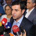 Demirtaştan Suriyeye müdahele açıklaması http://t.co/E9os7vDlSM http://t.co/Pn6fenIXmp