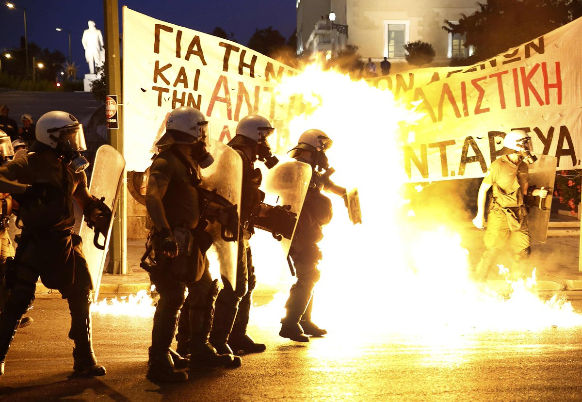 First few pics are now rolling in from #Athens protests in the live blog: http://t.co/xFduvOdT4i http://t.co/Dq8JaEuGLN