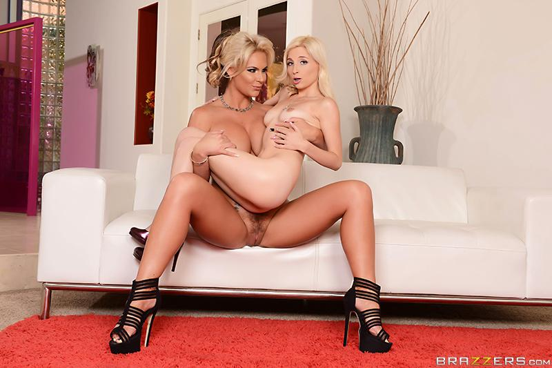 RT : #naughty ang housewives get naughty and fuck check it out