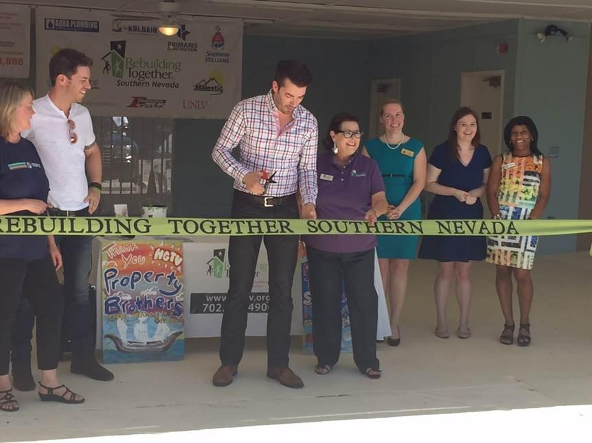 Thank you @MrSilverScott & @MrJDScott for coming to @TSILasVegas ribbon cutting this morning! http://t.co/qXxh8oJjFS http://t.co/Kn2gWVddPQ