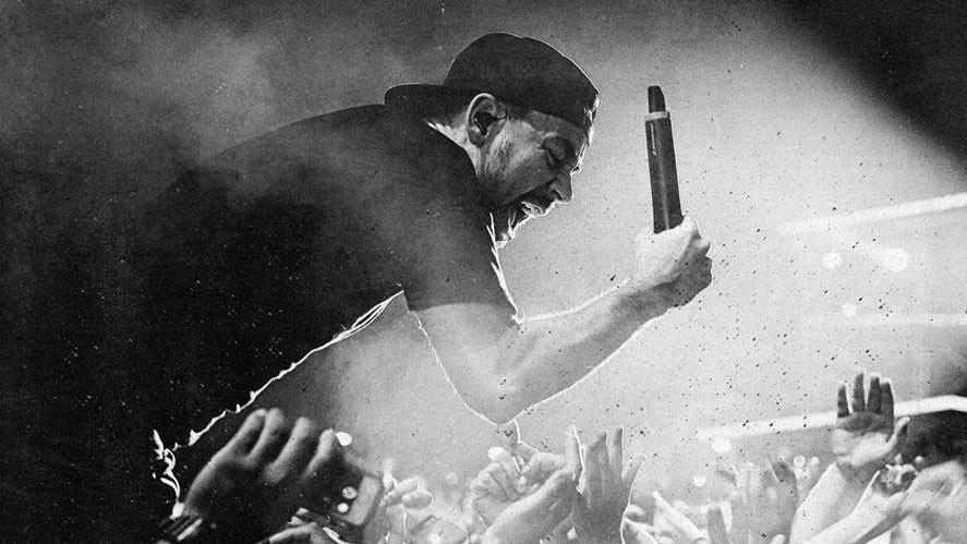 We spoke with @mikeshinoda about the return of @fortminor + the past/future of @linkinpark: http://t.co/2imeIn3jDh http://t.co/5cpindAkkB