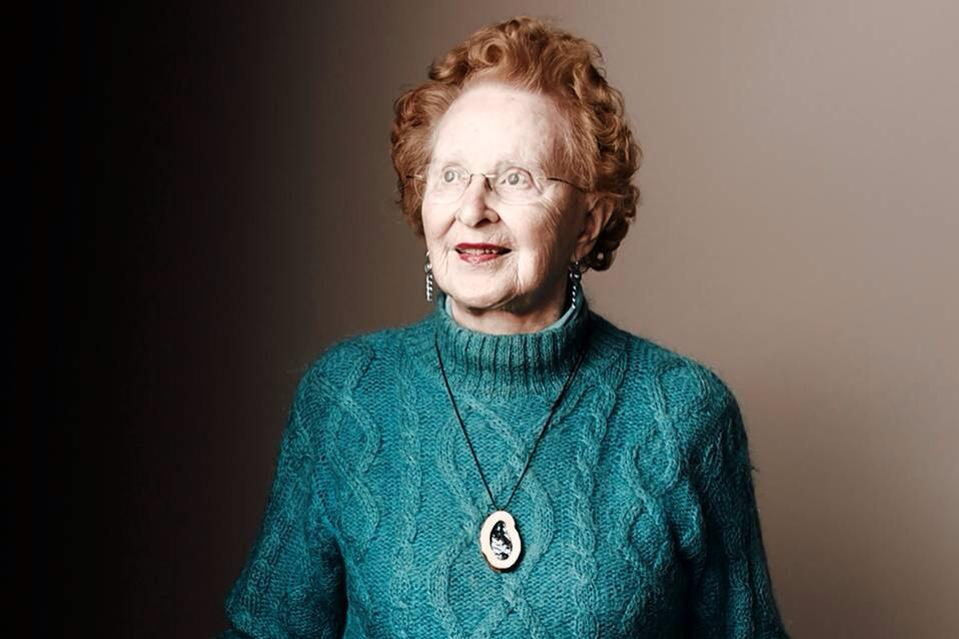 Hear designer, 91-year old Barbara Beskind, discuss design for #aging @ideo NOW: https://t.co/qc1nOdQirM #WHCOA http://t.co/tnFDwWownH