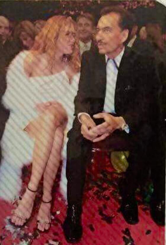 Gracias x tu amistad, x siempre demostrarme tanto cariño, tu legado musical siempre vivirá #JoanSebastian