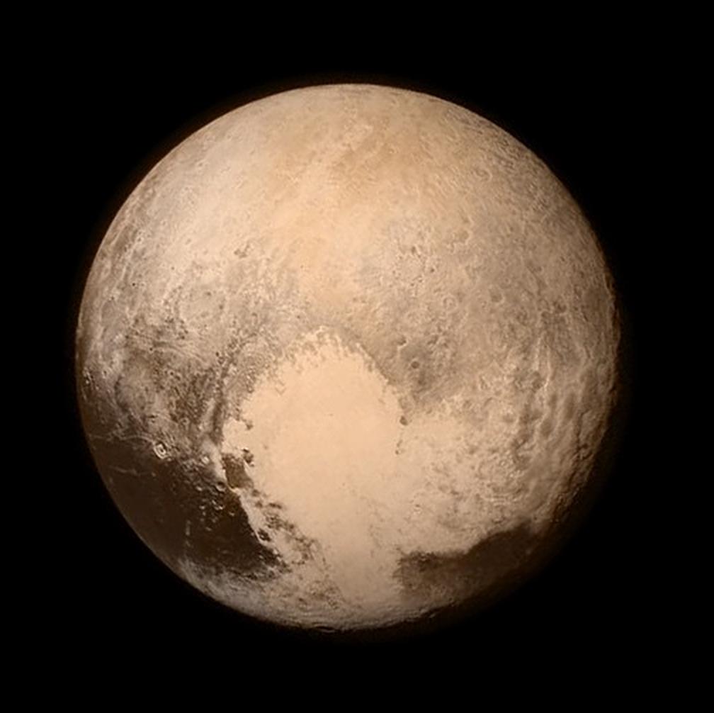 #Pluto-Party going on: Der aktuelle Nasa-Stolz, morgen kommen zehnmal so scharfe Aufnahmen von der Sonde! http://t.co/YChtzF5Fvh